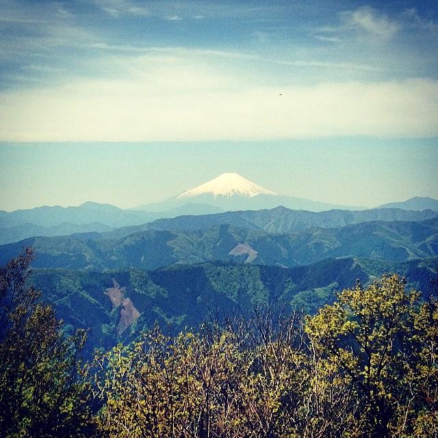 奥多摩の大岳より、今年の富士山は雪多いな〜