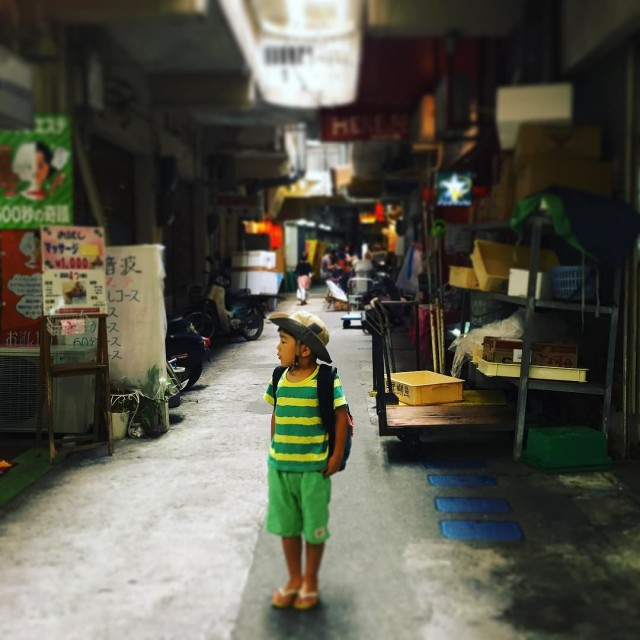 Street_of_Naha_is_something_like_Southeast_Asia._________________________kidstrip__kidscamp__haltrip2016__naha___okinawa__japantrip
